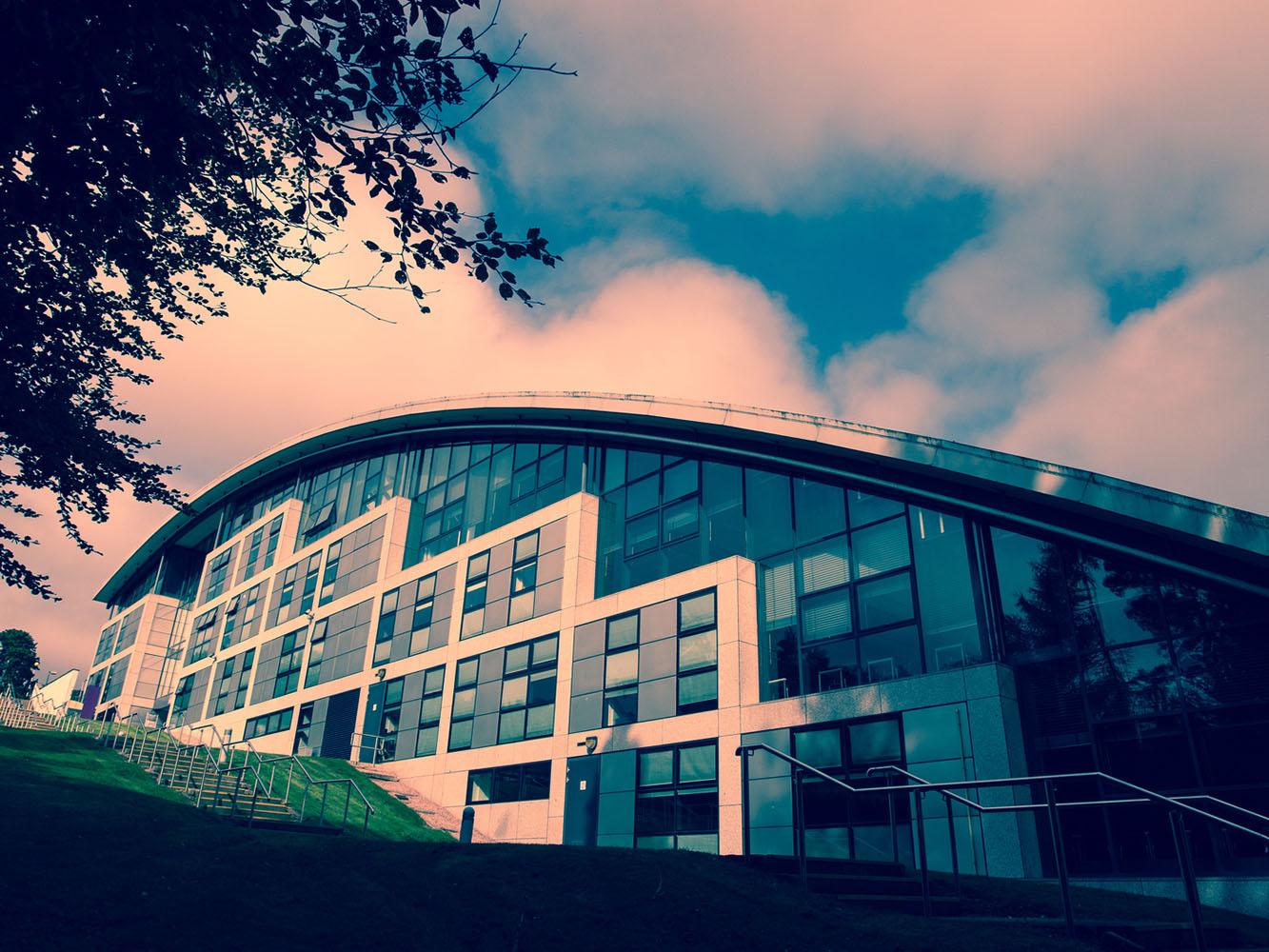 罗伯特高登大学阿伯丁商学院成为全球首所获AMBA和BGA联合认证的学院